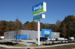11060975 Freds Smallmart